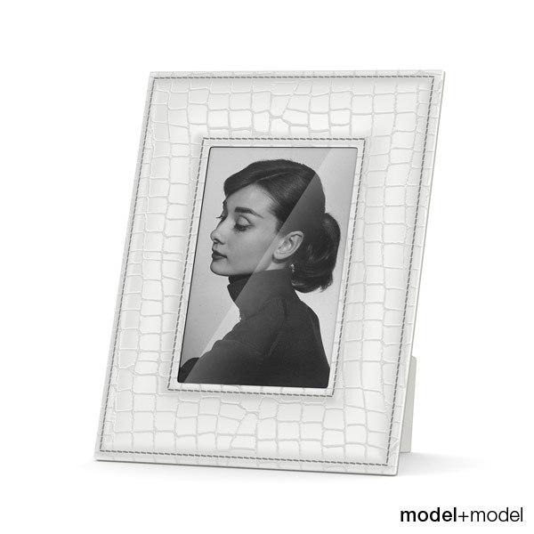 White skin picture frame