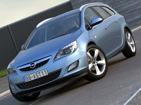 Opel Astra Sports Tourer (2011)