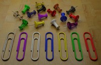 3d thumbtacks paper clips model
