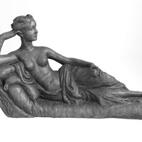 3d female statue