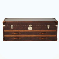 3d model classical trunk
