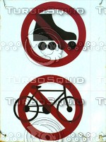 pedestrian signs 05L.jpg