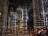 Interior columns, Duomo, Siena 0438.JPG