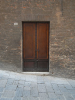 Old Italian wall and door R0011462
