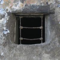 window b004