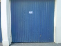 garage door blue