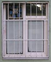 window b008