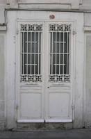 window b012