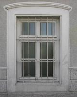window  b010