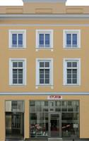 facade 16