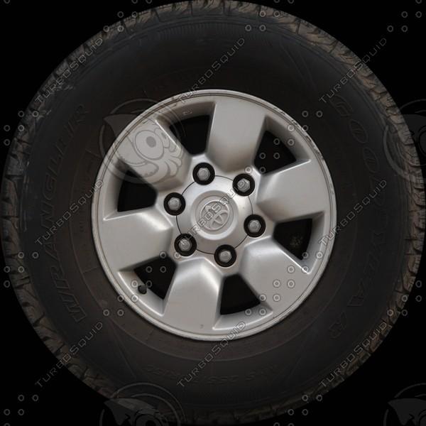 Toyota Hilux wheel.jpg