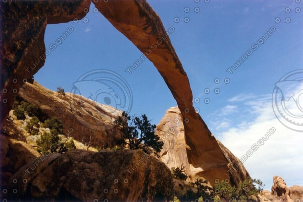 Landscape Arch, Utah 04 tm.jpg